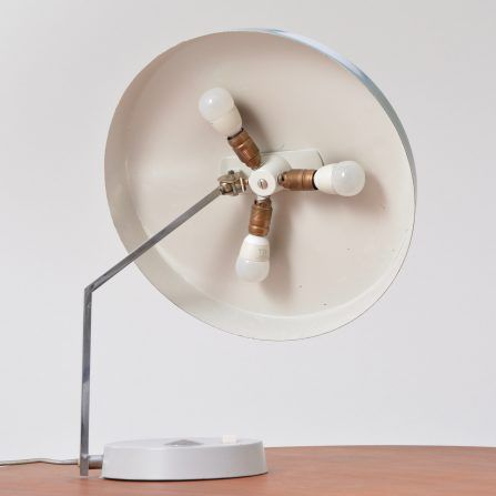 Vintage-desk-lamp-with-flexible-shade